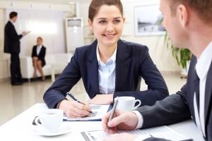 zewnętrzne biuro rachunkowe rozlicza firmę